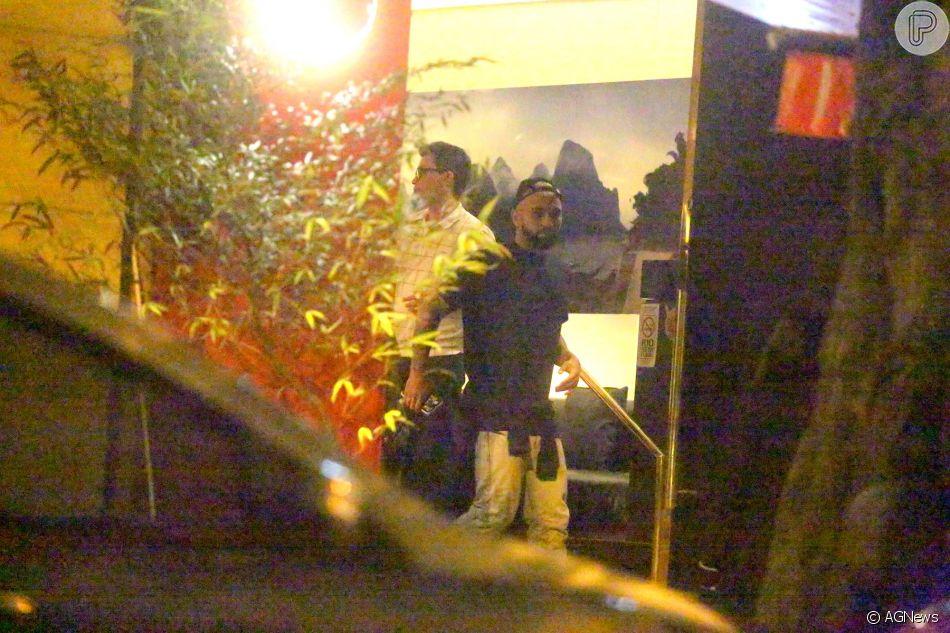 Gabigol foi para balada com amigos e curtiu after party em casa de Anitta