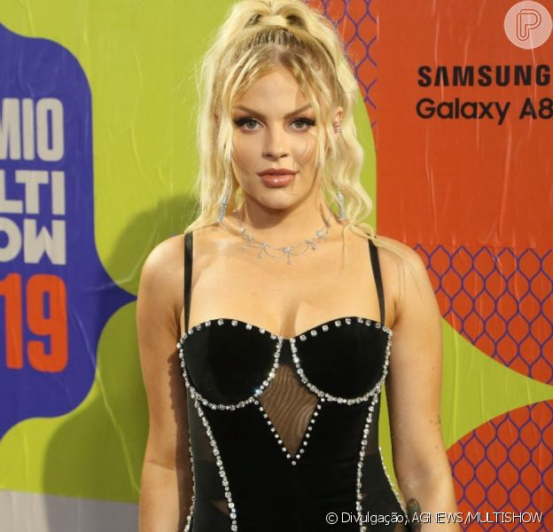 Luísa Sonza apostou em um vestido supercurto para curtir o Prêmio Multishow 2019 nesta terça-feira, dia 29 de outubro de 2019