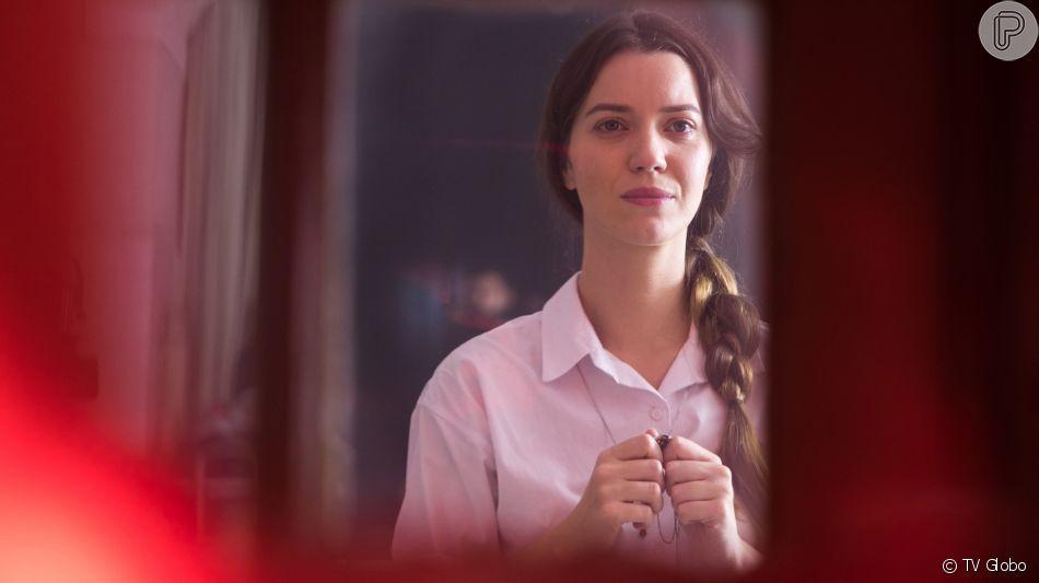 Fabiana (Nathalia Dill) decide voltar ao convento depois de perder tudo na novela 'A Dona do Pedaço'