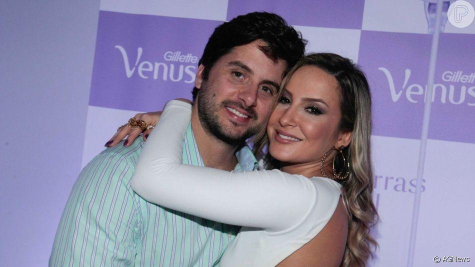 Claudia Leitte mostrou momento de ternura do marido, Marcio Pedreira, com os filhos, Davi, Rafael e Bela