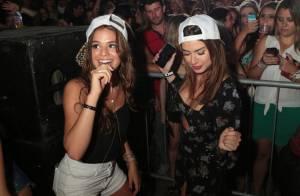 Bruna Marquezine rebola em baile funk ao lado de Thaila Ayala e Manu Gavassi