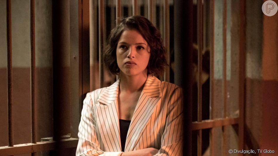 Nos últimos capítulos da novela 'A Dona do Pedaço', Josiane (Agatha Moreira) conhece Gerusa (Ana Furtado), passa a ser chamada de 'Bíblia' e ganha respeito das detentas