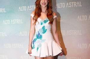 b18bc0bcc3493 Sophia Abrahão usa vestido curto na festa da novela  Alto Astral . Veja  looks!