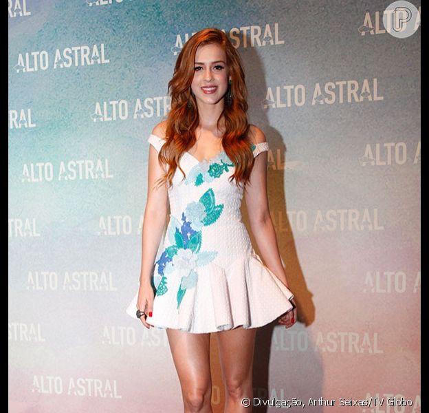 Sophia Abrahão usou vestido curto da estilista Helena Bordon e sapatos Schutz na festa da novela 'Alto Astral', em 19 de outubro de 2014