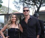 Otaviano Costa e Flávia Alessandra prestigiam evento de beleza com mais famosos