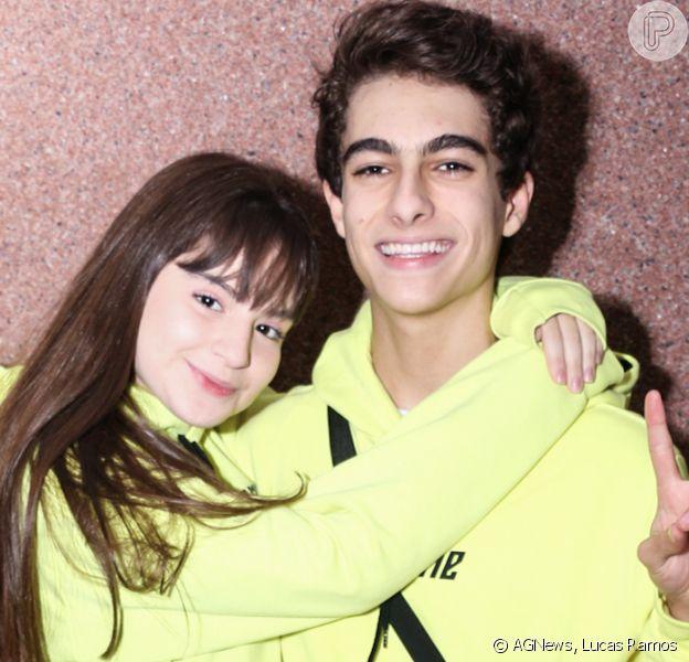 Sophia Valverde e o namorado, Lucas Burgatti, combinam looks em show do Now United em São Paulo nesta quarta-feira, dia 20 de novembro de 2019