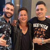 Felipe Araújo elogia perna definida de Leonardo: 'Respeita essa panturrilha'