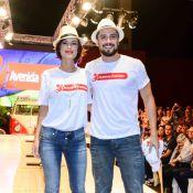 Andreia Horta e Rafael Cardoso, da novela 'Império', desfilam juntos no Paraná