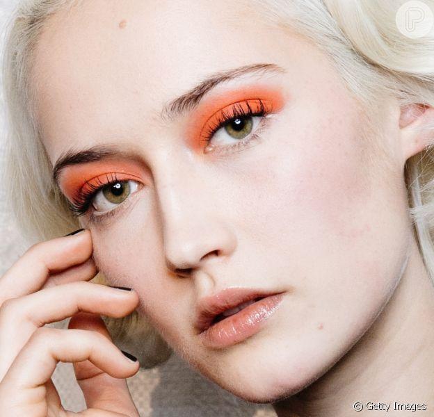 Sombra de maquiagem: aprenda 5 formas diferentes de usar o produto