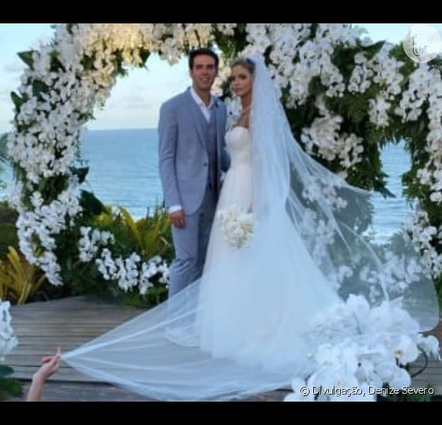 Carol Dias aposta em vestido romântico para casamento com Kaká, em 30 de novembro de 2019