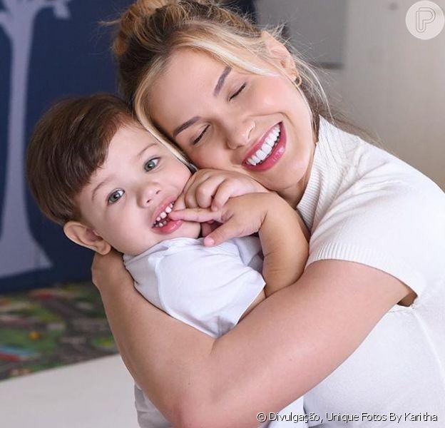 Andressa Suita fica surpresa ao ver o filho Gabriel contando em inglês. Vídeo!