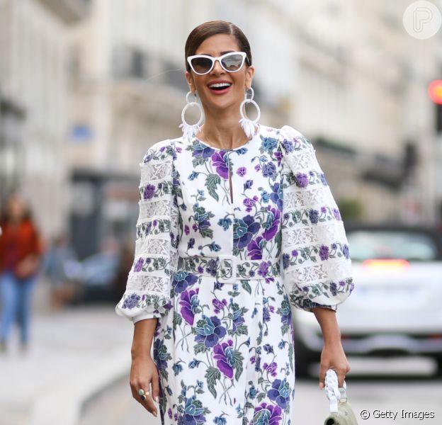 Moda primavera/verão 2020: vestido, saia e mais peças com estampa floral em 18 looks para usar até o fim da estação