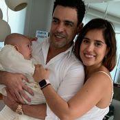 Vô coruja: Zezé Di Camargo tieta o neto Joaquim em visita à filha Camilla. Veja!