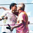Lulu Santos faz a contagem regressiva para 2020 e dá beijo em Clebson Teixeira durante show na A venida Paulista, em São Paulo, na madrugada desta quarta-feira, 01 de janeiro