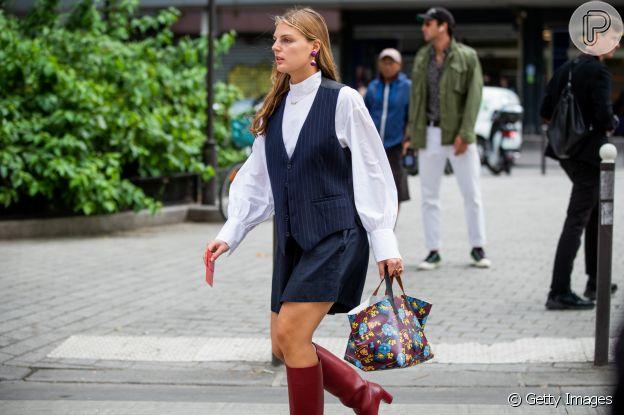 Tá na moda: colete é terceira peça do verão 2020 e pode ser usado por cima da clássica camisa social branca para um look fashionista