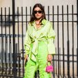 Tendência de moda: looks neon estão em alta no verão 2020, mas também funcionam em outras estações do ano com algumas adaptações