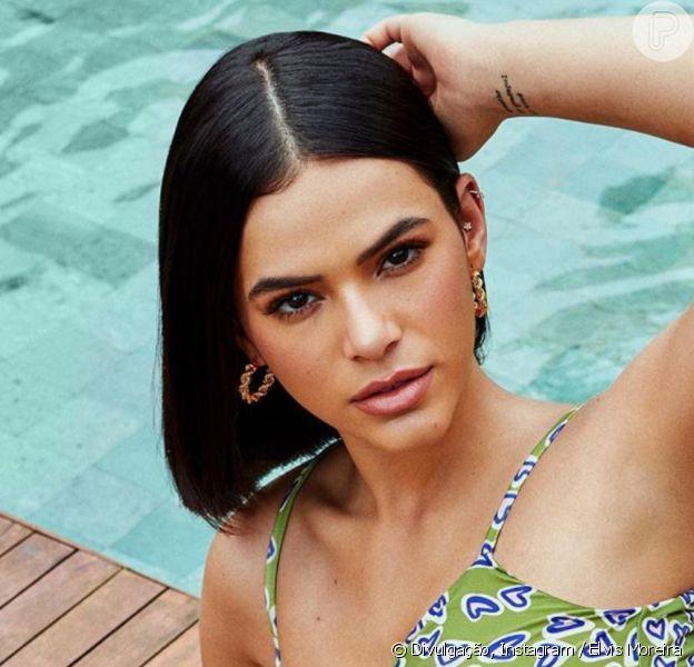 Bruna Marquezine posta novos fotos de ensaio sensual de maiô, em 12 de janeiro de 2019