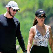 Fátima Bernardes usa maiô com recortes para exercícios com namorado. Fotos!
