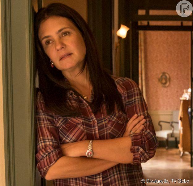 Nos próximos capítulos da novela 'Amor de Mãe', Danilo (Chay Suede) sabota sem querer o restaurante da mãe, Thelma (Adriana Esteves), e a faz vender o negócio