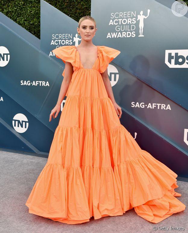 Moda de festa: Vestido de Kathryn Newton segue pegada romântica por babado trend e manga volumosa para premiação SAG Awards neste domingo, dia 19 de janeiro de 2020