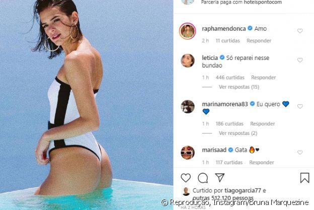 Bruna Marquezine ganha comentário de amigas famosas em foto de maiô