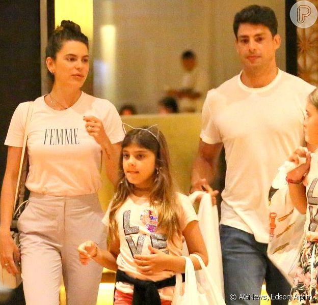 Cauã Reymond e Mariana Goldfarb passearam com Sofia por um shopping do Rio neste domingo, 9 de fevereiro de 2020