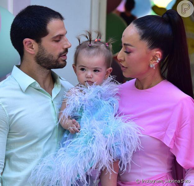 Mini-fashionista! Filha de Sabrina Sato, Zoe usa blusa e tênis grifados em festa de aniversário do primo, realizada nesta quarta-feira, dia 19 de fevereiro de 2020