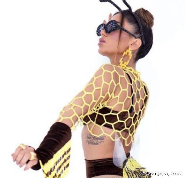 Anitta usa look com 15 mil cristais Swarovski para representar abelha no Carnaval de rua de Salvador nesta sexta-feira, dia 21 de fevereiro de 2020