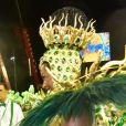 Iza interagiu com integrantes da bateria da Imperatriz Leopoldinense no carnaval da Série A