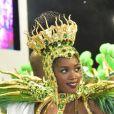 Iza mostrou muito samba no pé ao estrear como rainha de bateria da Imperatriz Leopoldinense