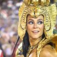 Paolla Oliveira brilhou como Cleópatra na Sapucaí: a atriz estava com uma make em tom de azul poderosa