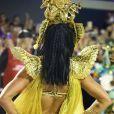 Paolla Oliveira usou uma peruca castanho escuro para viver Cleópatra na Sapucaí