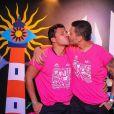 Carlinhos Maia e o marido, Lucas Guimarães, dão beijo no Camarote Salvador, na Bahia