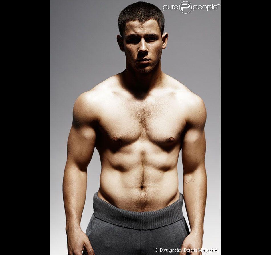 Nick Jonas posa sem camisa e conta que conseguiu corpo sarado com dieta e musculação. As fotos foram divulgadas pela revista 'Details Magazine' nesta quinta-feira 23 de outubro de 2014