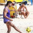 Deborah Secco e mais famosos curtem dia de praia no último fim de semana do verão. Fotos!