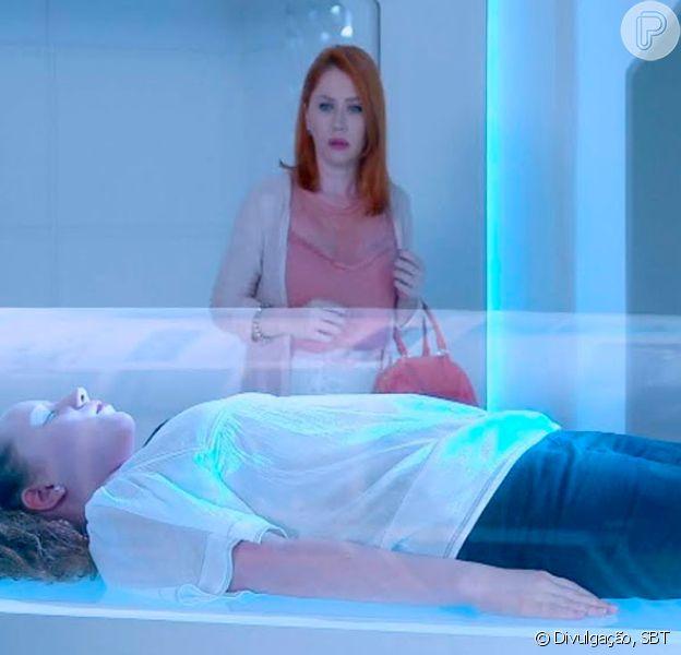 Novela 'As Aventuras de Poliana': Sophie (Gabriela Petry) encontra Ester (atriz não divulgada) dentro de uma cápsula no laboratório no capítulo de sexta-feira, 27 de março de 2020