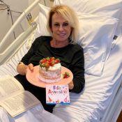 Ana Maria Braga recebe presente em hospital durante quimio: 'Surpresa da equipe'