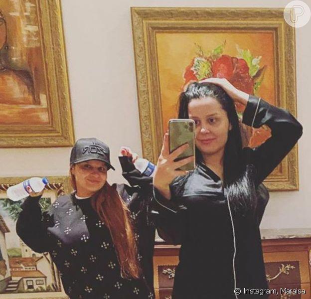 Maraisa elogiou foto ousada da irmã, Maiara, com o namorado, Fernando Zor