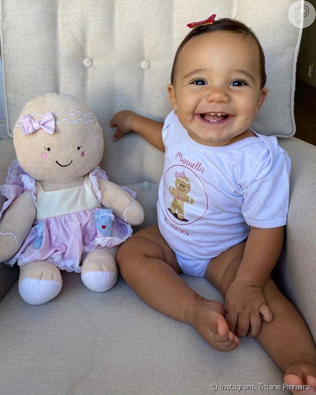 Com foto, Ticiane Pinheiro festeja 10 meses de Manu e sorriso de bebê encanta na web