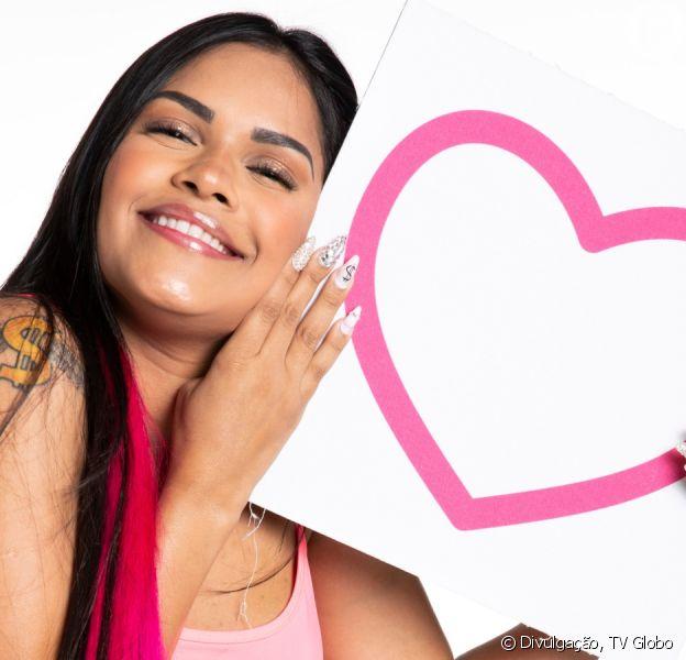 Cantora Flayslane confirma romance com modelo