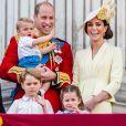 Kate Middleton registrou George, Charlotte e Louis com o príncipe William