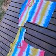 Yasmin Brunet e Gabriel Medina fizeram camisetas tie-dye na quarentena