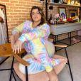 A cantora Preta Gil usou uma produção comfy de tie dye em cores suaves