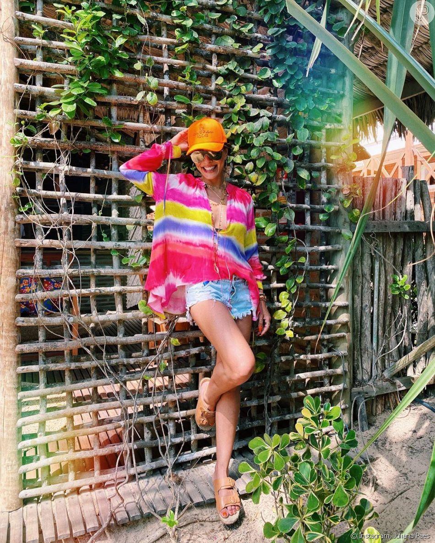 Juliana Paes aderiu ao tie dye em look despojado - Purepeople