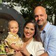 Joaquim faz 1! Camilla Camargo reúne família em festa virtual do filho. Vídeo