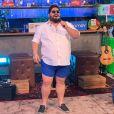 César Menotti imitou o look que Gusttavo Lima usou em sua última live e agitou a web