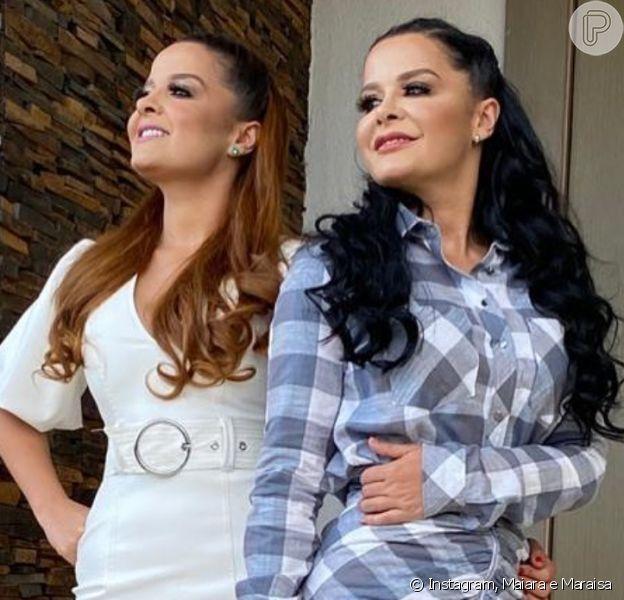 All white e xadrez: Maiara e Maraisa apostam em vestidos estilosos para live nesta terça-feira, dia 11 de agosto de 2020