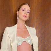 Marina Ruy Barbosa usa top brilhoso e conjunto grifado no 'Domingão'. Veja look!