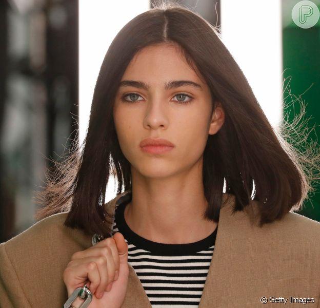 A maquiagem básica e minimalista apareceu em muitos desfiles da Semana de Moda