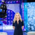 Angélica ganha homenagem de Luciano Huck na volta à TV